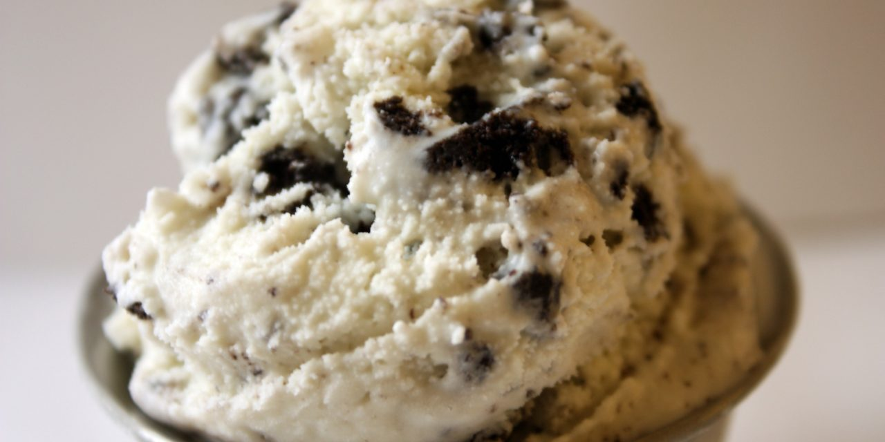 Blendtec Recipe Of The Week: 2 Ingredient Cookies And Cream Ice Cream