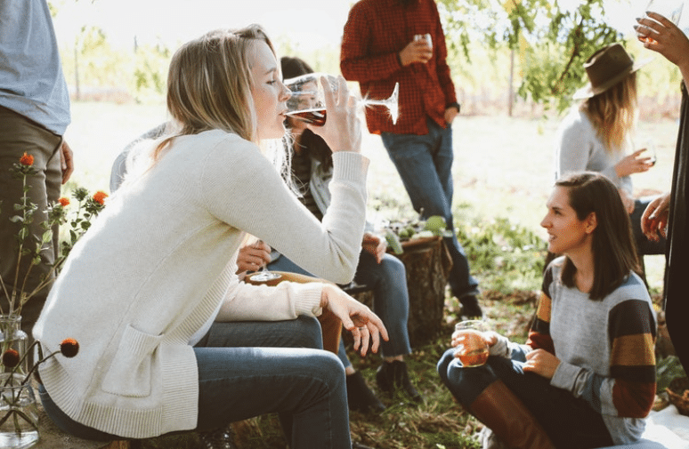 5 Signs Your Friend Is Hooked On The Booze